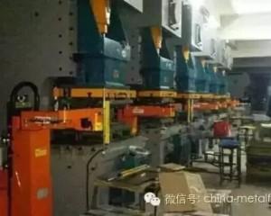 国内冲压自动化搬运机械手的几种形式